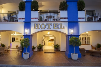 Hotel Piedra Paloma trip planner