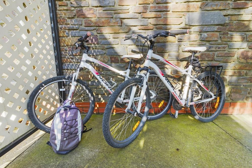 스톤웰 카티지스 앤드 빈야즈(Stonewell Cottages & Vineyards) Hotel Image 76 - Bicycling