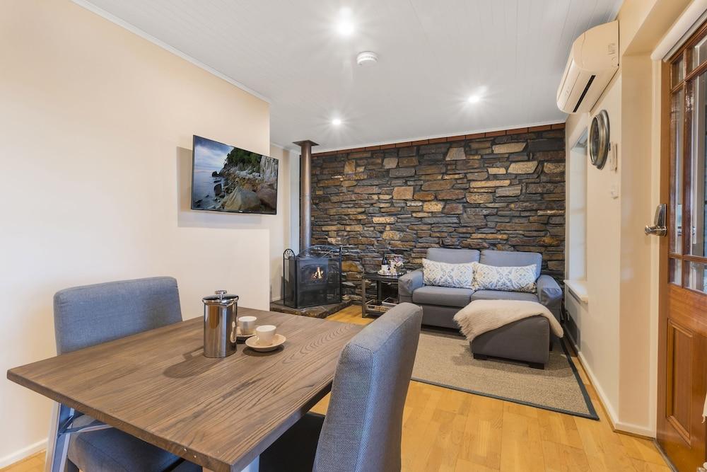 스톤웰 카티지스 앤드 빈야즈(Stonewell Cottages & Vineyards) Hotel Image 27 - Living Area