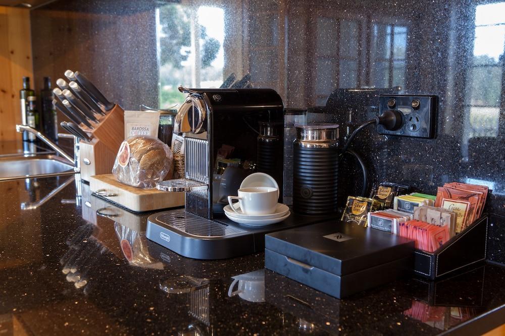 스톤웰 카티지스 앤드 빈야즈(Stonewell Cottages & Vineyards) Hotel Image 77 - Breakfast Meal