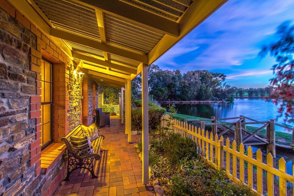 스톤웰 카티지스 앤드 빈야즈(Stonewell Cottages & Vineyards) Hotel Image 53 - Guestroom View