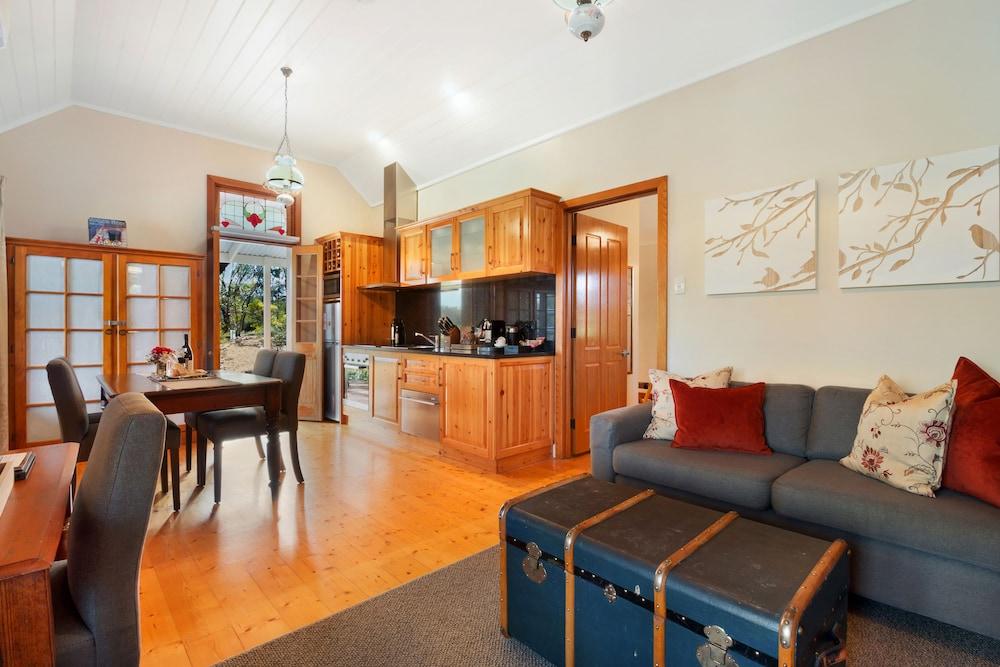 스톤웰 카티지스 앤드 빈야즈(Stonewell Cottages & Vineyards) Hotel Image 28 - Living Area