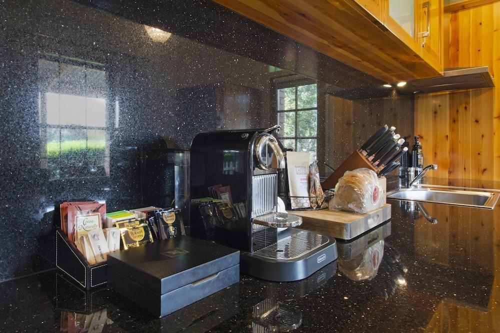 스톤웰 카티지스 앤드 빈야즈(Stonewell Cottages & Vineyards) Hotel Image 60 - In-Room Coffee