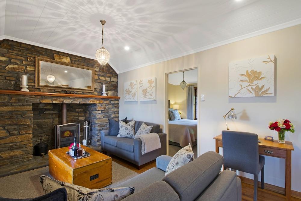 스톤웰 카티지스 앤드 빈야즈(Stonewell Cottages & Vineyards) Hotel Image 32 - Living Area