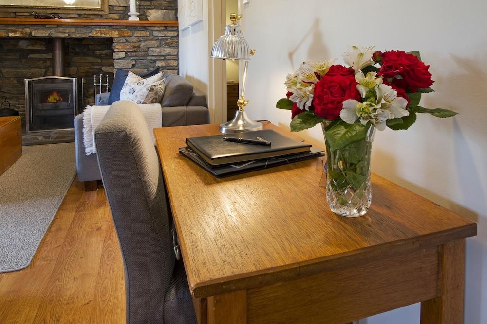 스톤웰 카티지스 앤드 빈야즈(Stonewell Cottages & Vineyards) Hotel Image 33 - Living Area