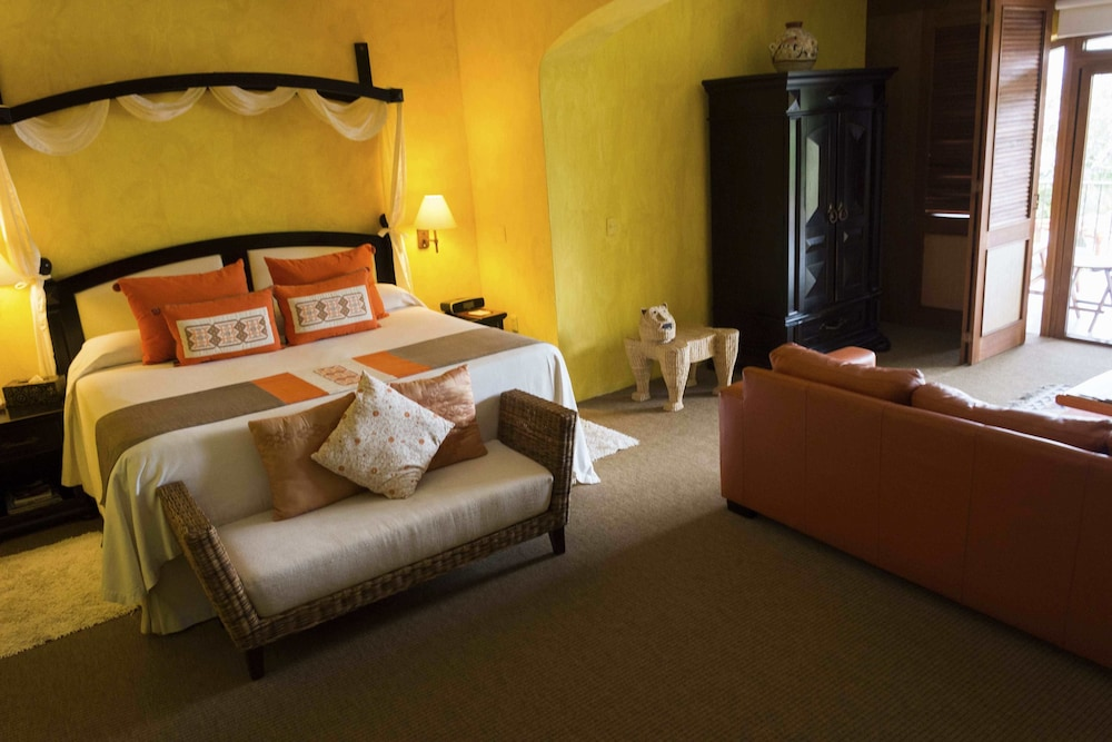 엘 찬테 스파 호텔(El Chante Spa Hotel) Hotel Image 3 - Guestroom