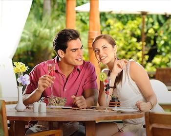 엘 찬테 스파 호텔(El Chante Spa Hotel) Hotel Image 45 - Outdoor Dining