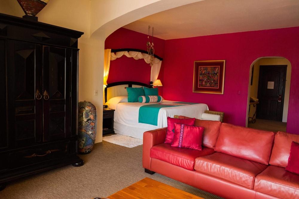 엘 찬테 스파 호텔(El Chante Spa Hotel) Hotel Image 11 - Guestroom