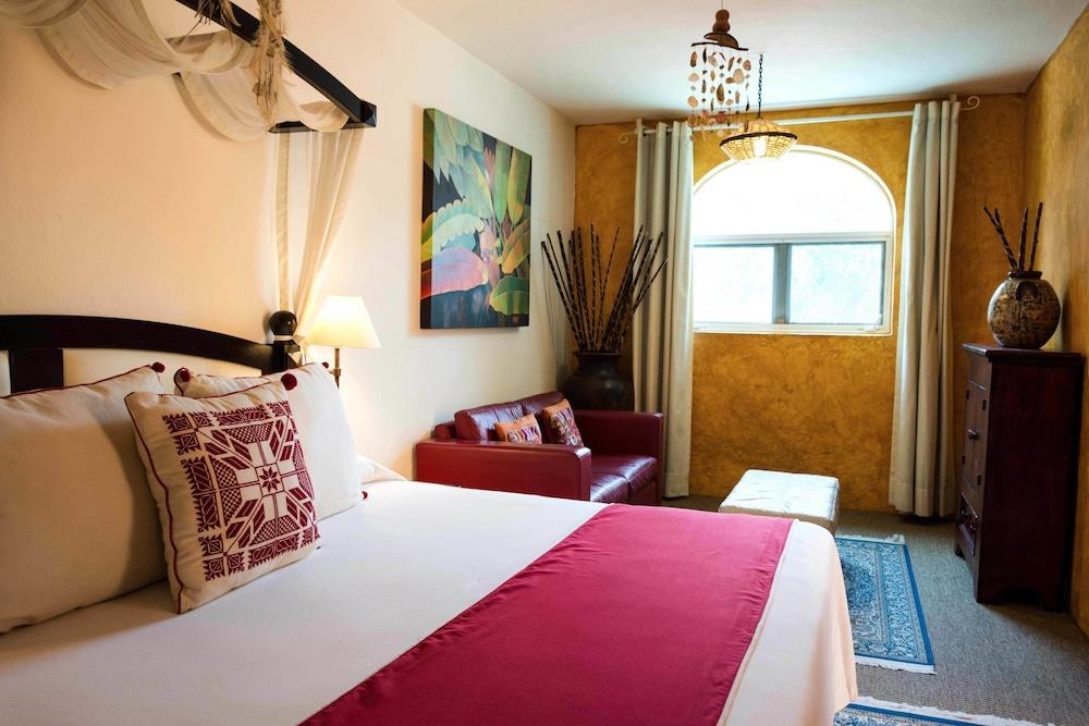 엘 찬테 스파 호텔(El Chante Spa Hotel) Hotel Image 12 - Guestroom
