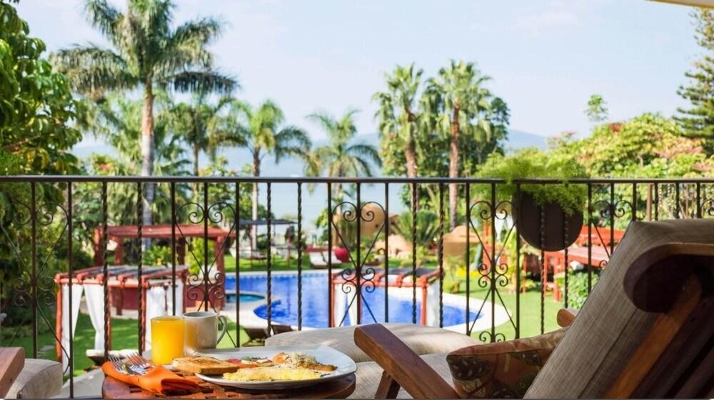 엘 찬테 스파 호텔(El Chante Spa Hotel) Hotel Image 22 - In-Room Dining