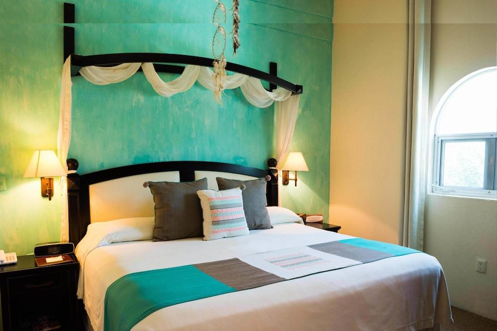 엘 찬테 스파 호텔(El Chante Spa Hotel) Hotel Image 21 - Guestroom