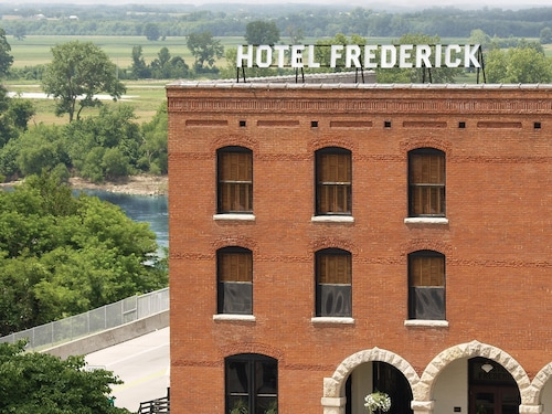 __{offers.Best_flights}__ Hotel Frederick