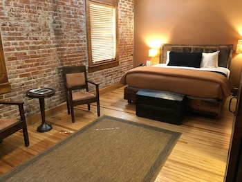 Double Room, Ensuite, River View (Room 29)