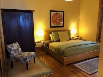 Suite, Ensuite, River View (Room 12)