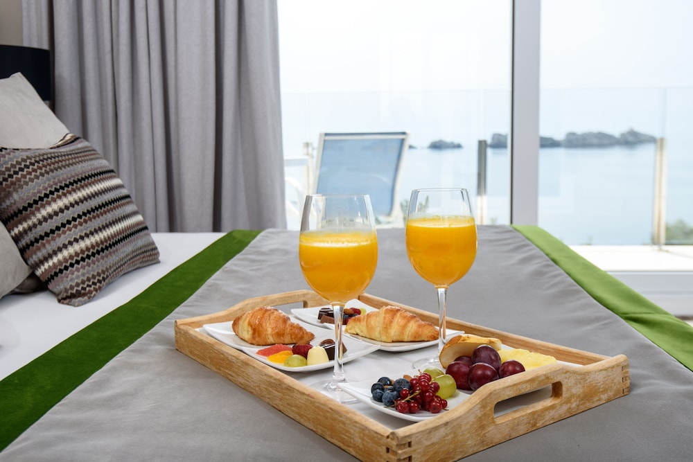 호텔 아리스톤(Hotel Ariston) Hotel Image 17 - Room Service - Dining