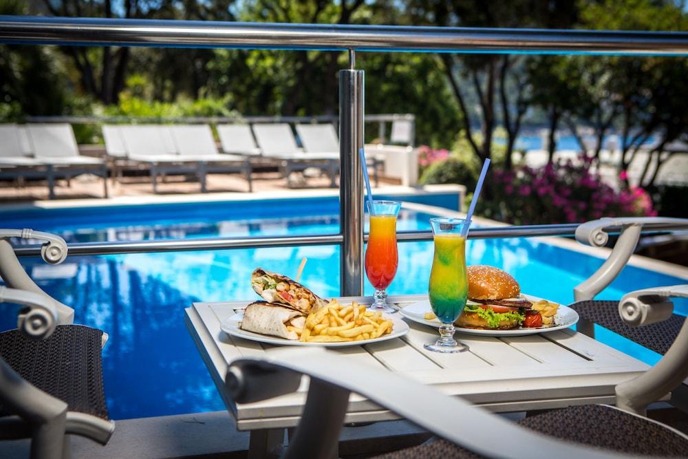 호텔 아리스톤(Hotel Ariston) Hotel Image 49 - Outdoor Dining