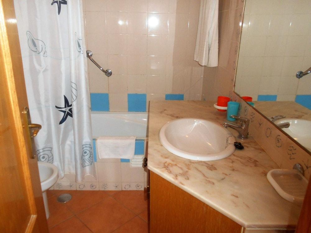 타비라 가든(Tavira Garden) Hotel Image 43 - Bathroom