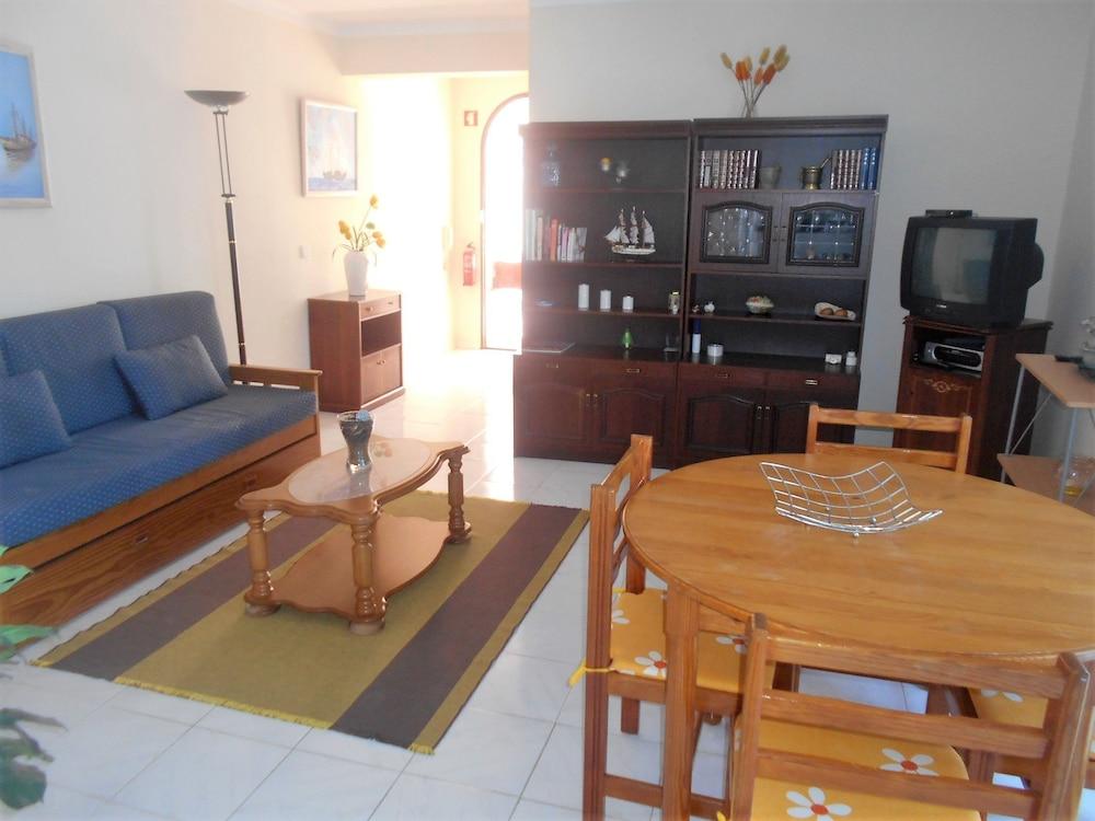 타비라 가든(Tavira Garden) Hotel Image 31 - Living Room