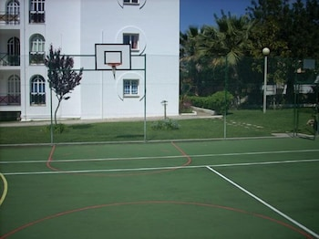 타비라 가든(Tavira Garden) Hotel Image 54 - Basketball Court