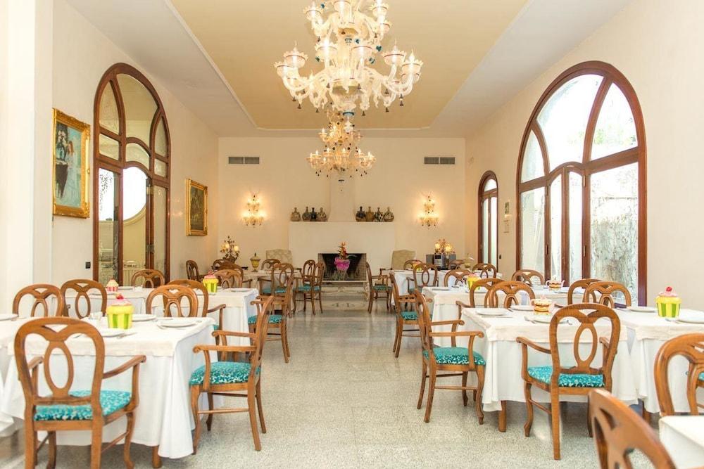 그랜드 호텔 디 레세(Grand Hotel di Lecce) Hotel Image 19 - Breakfast Area