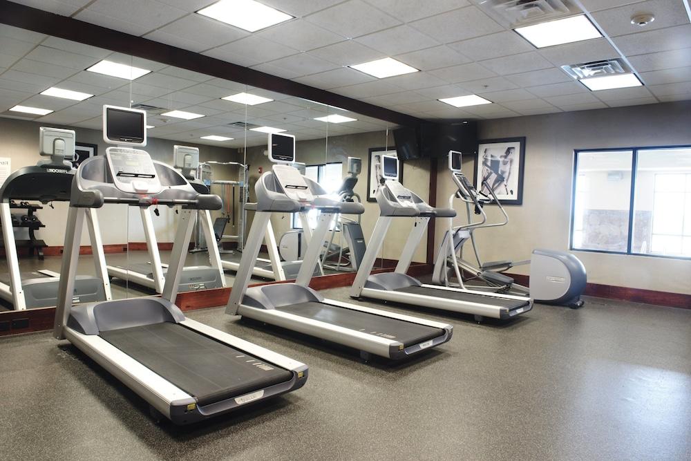 홀리데이 인 익스프레스 & 스위트 어반데일(Holiday Inn Express and Suites Urbandale) Hotel Image 18 - Fitness Facility