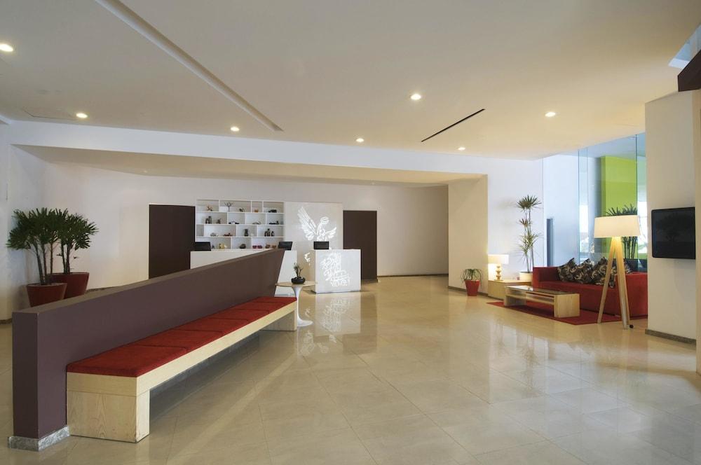 피에스타 인 인수르헨테스 수르(Fiesta Inn Insurgentes Sur) Hotel Image 2 - Reception