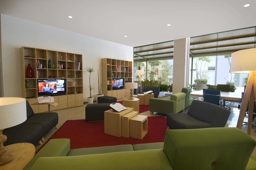 피에스타 인 인수르헨테스 수르(Fiesta Inn Insurgentes Sur) Hotel Image 1 - Lobby