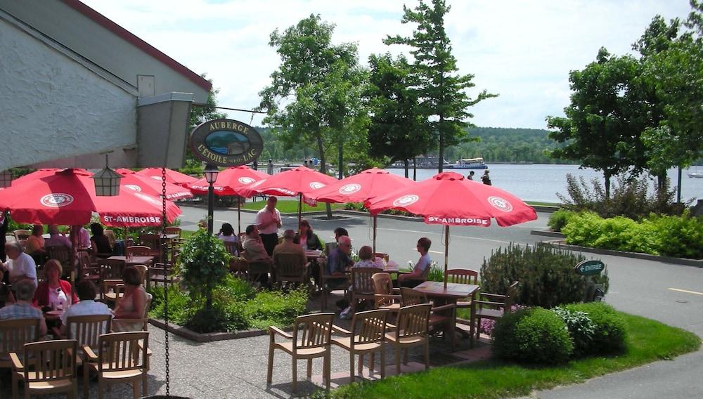 호텔 & 스파 에뚜알 수르 르 락(Hotel & Spa Etoile-sur-le-Lac) Hotel Image 40 - Food Court