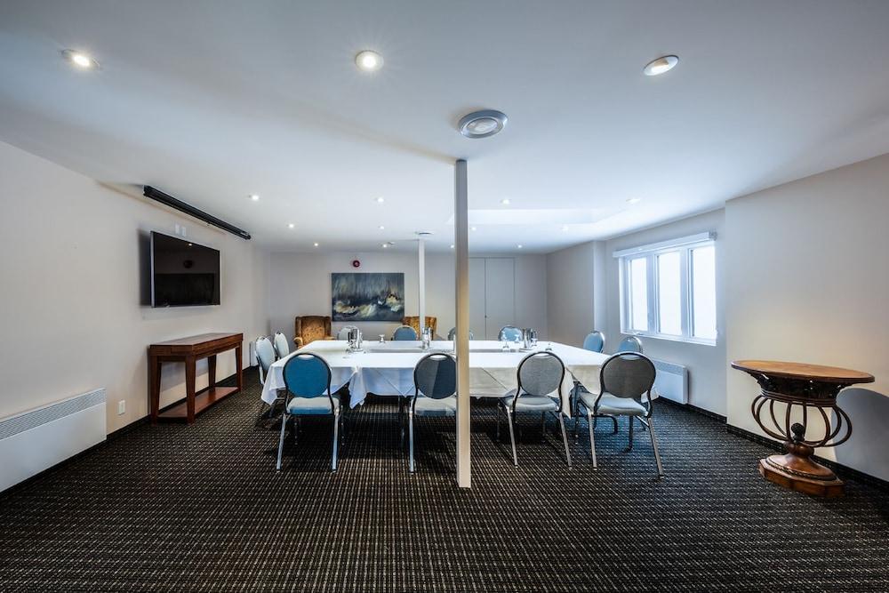 호텔 & 스파 에뚜알 수르 르 락(Hotel & Spa Etoile-sur-le-Lac) Hotel Image 43 - Meeting Facility