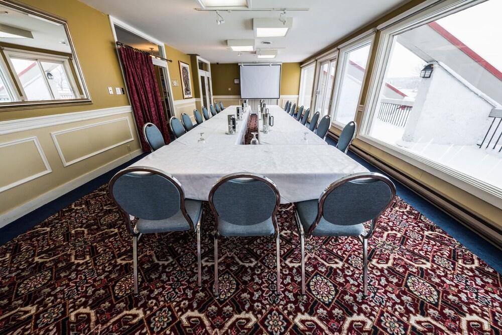 호텔 & 스파 에뚜알 수르 르 락(Hotel & Spa Etoile-sur-le-Lac) Hotel Image 46 - Meeting Facility