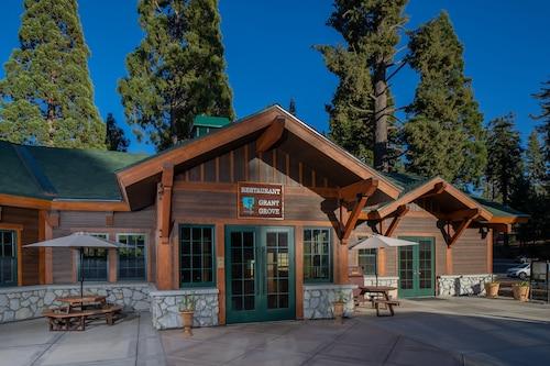 John Muir Lodge, Tulare