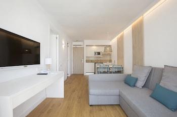 Standard Apartment, 1 Bedroom, Pool View