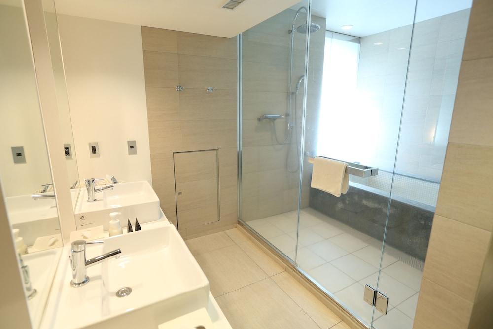 호텔 미쿠라스(Hotel Micuras) Hotel Image 20 - Bathroom