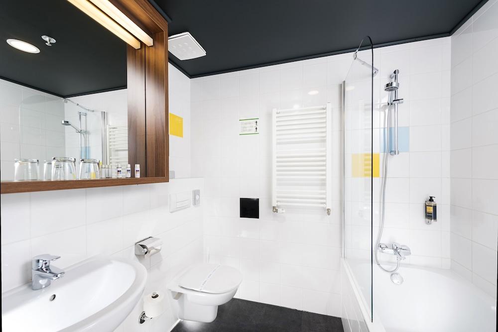 보18 호텔 수피리어(Bo18 Hotel Superior) Hotel Image 15 - Bathroom