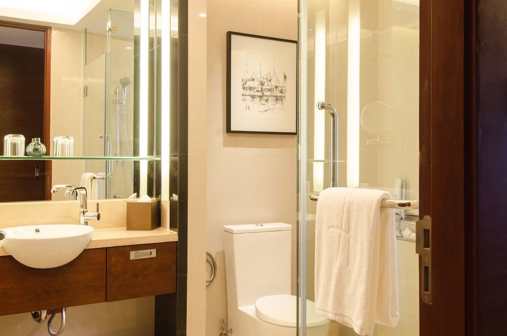 AETAS 룸피니(AETAS lumpini) Hotel Image 26 - Bathroom