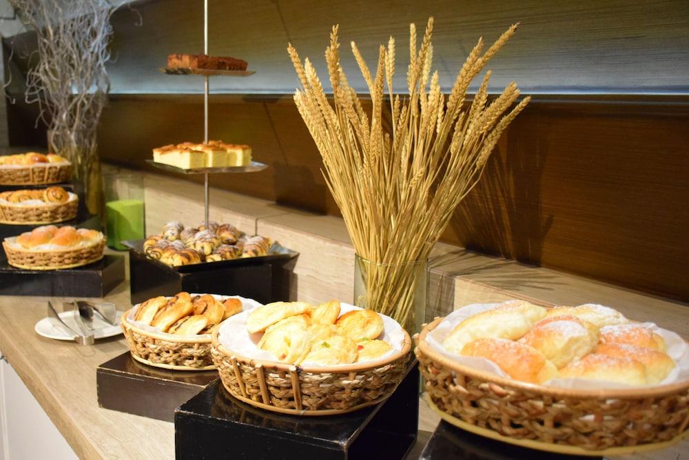 AETAS 룸피니(AETAS lumpini) Hotel Image 42 - Breakfast buffet