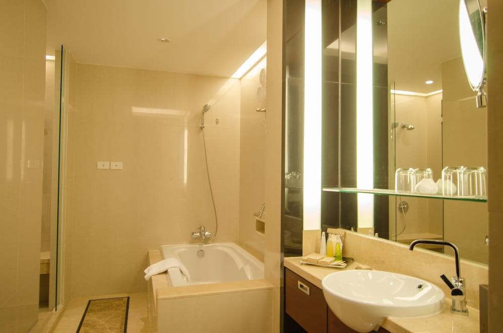 AETAS 룸피니(AETAS lumpini) Hotel Image 28 - Bathroom