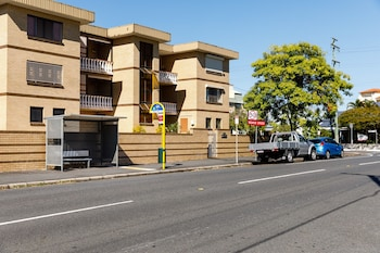 Street View at Bowen Terrace Accommodation in New Farm