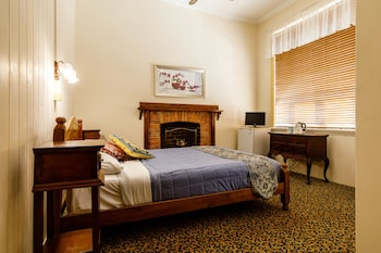 Guestroom at Bowen Terrace Accommodation in New Farm
