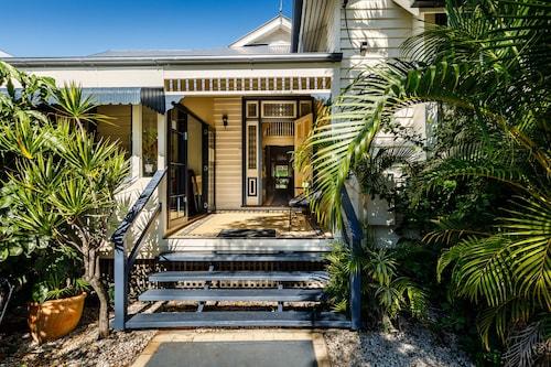 Bowen Terrace Accommodation, New Farm