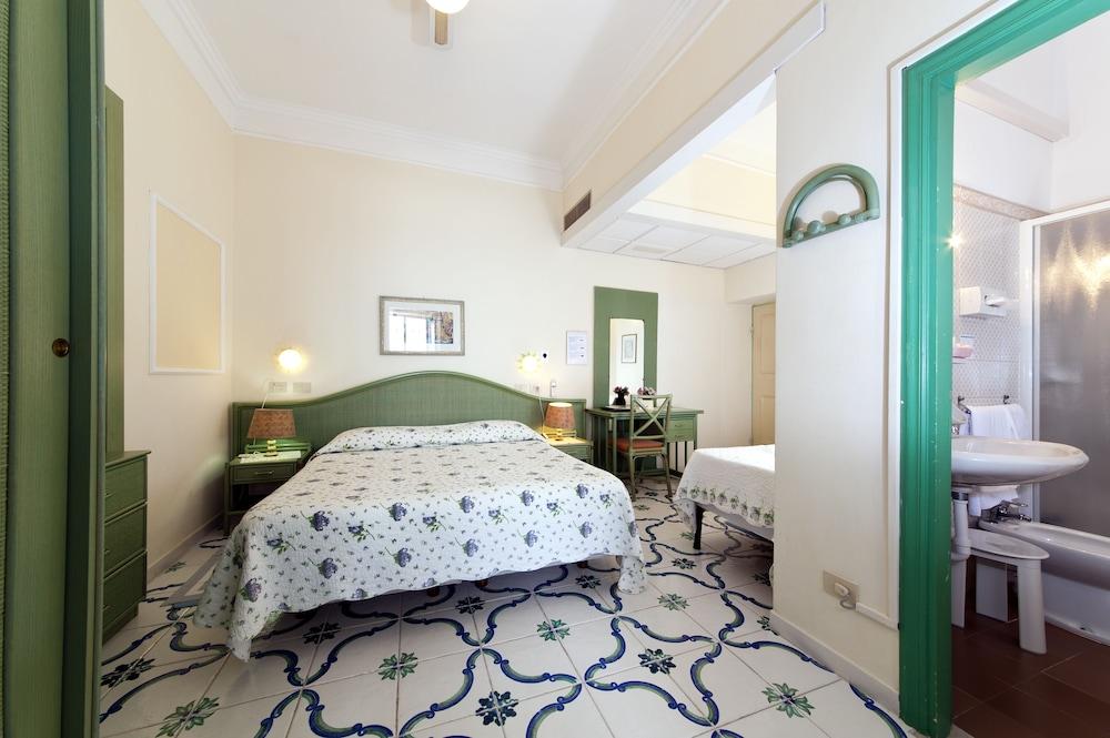 호텔 라 팔마(Hotel La Palma) Hotel Image 9 - Guestroom