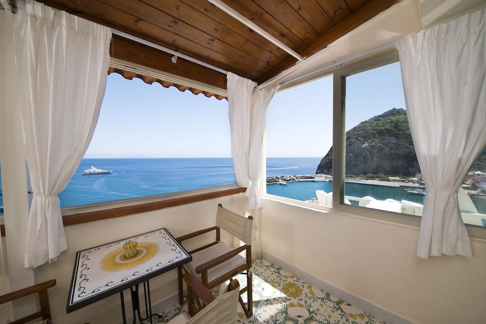 호텔 라 팔마(Hotel La Palma) Hotel Image 14 - Guestroom View