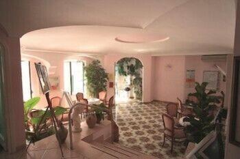 호텔 라 팔마(Hotel La Palma) Hotel Image 1 - Lobby