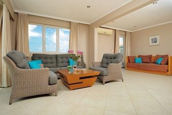 Hotel - Den Laman Condominiums