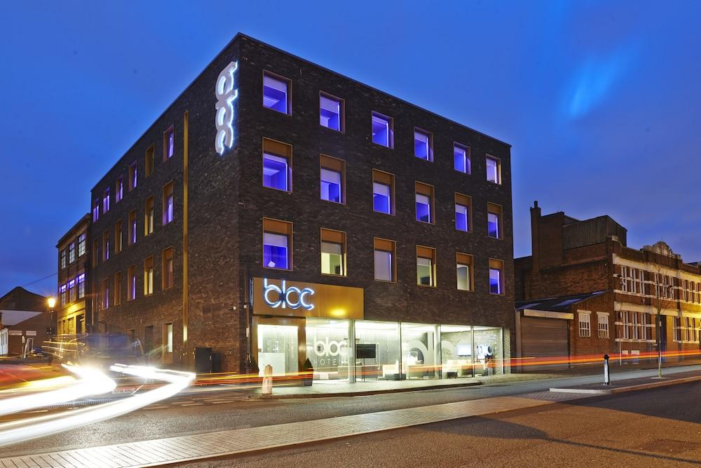 블록 호텔 버밍엄(Bloc Hotel Birmingham) Hotel Image 26 - Hotel Front - Evening/Night