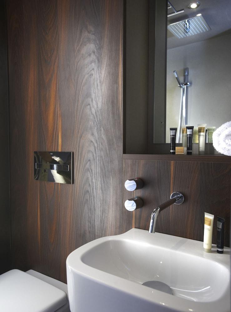 블록 호텔 버밍엄(Bloc Hotel Birmingham) Hotel Image 23 - Bathroom Sink