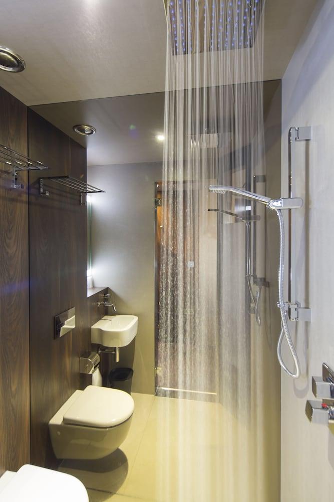 블록 호텔 버밍엄(Bloc Hotel Birmingham) Hotel Image 21 - Bathroom