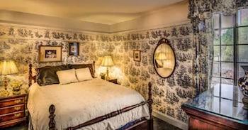 Niagara Two-Bedroom Suite