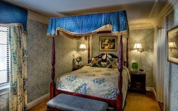Victoria Two-Bedroom Suite