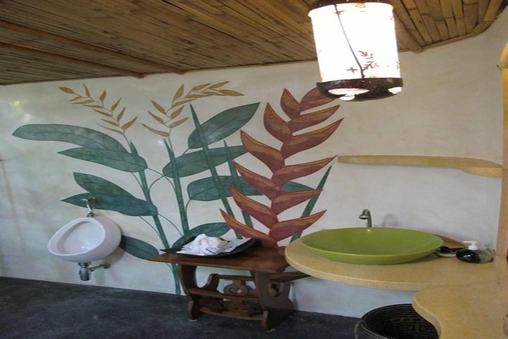 코 타오 뱀부 헛츠(Koh Tao Bamboo Huts) Hotel Image 62 - Bathroom